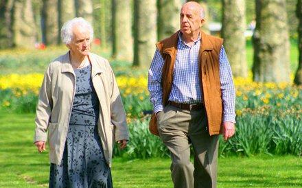 Wskazówki dla starszych ludzi, jak mogą walczyć z chorobami